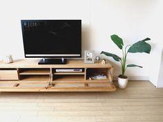 ナラ材を使用した丸みがかわいい!北欧テイストのインテリアにぴったりなテレビボードをご紹介