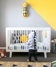 Oeuf White Sparrow Crib #oeuf #oeufnyc #oeuffurniture #sparrowcrib #ecofriendly #moderndesign #nurserydecor #kidsroominspiration