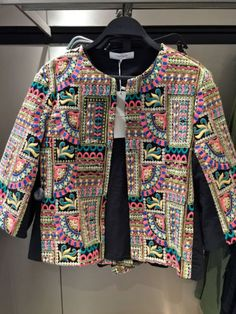 ZARA-EMBROIDERED-JACKET-ON-SIZE-M-Ref-0881-020