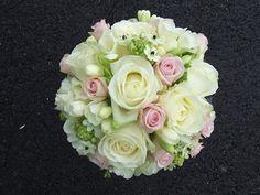 white an rose Floral Wedding, Wedding Bouquets, Wedding Flowers, Wedding Stuff, Sky Design, Floral Design, Clay Flowers, Cake Decorating, Bride