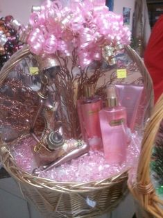 WOMAN WOW LUXURY DOVE ROSE OIL RELAXING  PAMPER HAMPER CHRISTMAS GIFT MUM NAN