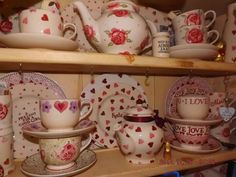 Emma Bridgewater Favourite Pink Hearts on display
