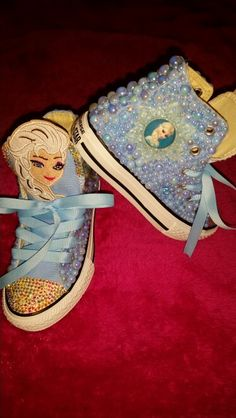 Customized converses #blingedoutconversesneakers #blingedoutconverses #blingconverse #customchucks #customkicks #keishacustomdesigns #frozen #princessElsa #pearls  For order info please  MAIL me for details  Sugarhill1018@gmail.com