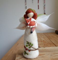 Klárčiny doplňky | Fler.cz Christmas Angel Ornaments, Felt Ornaments, Felt Christmas, Wet Felting, Needle Felting, Felt Crafts, Diy And Crafts, Kindness Elves, Waldorf Dolls