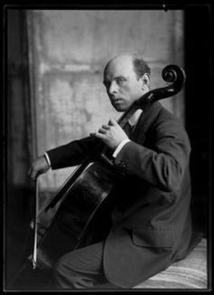 Ferdinand Schmutzer Pablo Casals,1914 From here