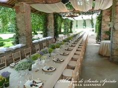 A country chic wedding does not need to have a precise colour scheme but it will enhance colours of natures in all its shades. Description from italianlakeswedding.com. I searched for this on bing.com/images