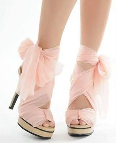 Dr Shoes, Pink Shoes, Crazy Shoes, Me Too Shoes, Blush Shoes, Rosa High Heels, Pink High Heels, Peach Heels, Pretty Shoes