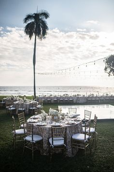 A Glamorous Elegant Destination Wedding In Maui Equals Magic To Us It S The Place