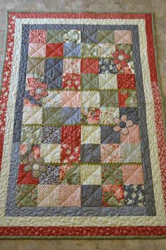 Blocks and Flowers Toddler Quilt by EVERLYandCo on Etsy, $135.00