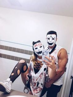 31 Best Couples Costumes and Matching Costumes For Helloween You Must Try In Next Year #helloween #couplescostume #helloweencostume » absecondiary.com