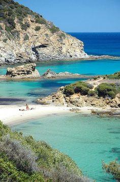 Arutas Beach met kwarts zand - vlakbij Oristano, op het schiereiland Sinis