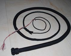How To Make A Paracord Bullwhip