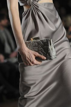 Browse New York Fashion Week Fall 2014 pictures from the Jason Wu runway show. High Fashion Dresses, Big Fashion, Grey Fashion, New York Fashion, Fashion Trends, Couture Details, Fashion Details, Gray Matters, Jason Wu