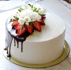Dogg tujhe bohot lagta hai uska aisa nai ha buss ussna mu …-Dogg tujhe bohot l… – Torten Cake Cookies, Cupcake Cakes, Cake Recipes, Dessert Recipes, Just Desserts, Drip Cakes, Occasion Cakes, Buttercream Cake, Fancy Cakes