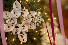 Giant Quilled Snowflakes DIY