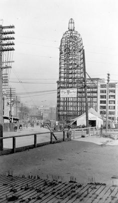 The frame of the World (Sun) Tower under construction, 1911 Old Pictures, Old Photos, Vintage Photos, Vintage Architecture, Iconic Photos, History Photos, Historical Pictures, Vancouver Island, Old City