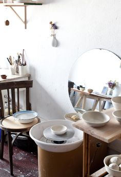 Creative Spaces : MF Ceramics - Maybe one day I'll have the skill & space to merit a small studio in the corner of the study/bathroom/shed. Ceramic Workshop, Pottery Workshop, Pottery Studio, Ceramic Pottery, Pottery Art, Ceramic Art, Pottery Ideas, Clay Studio, Ceramic Studio