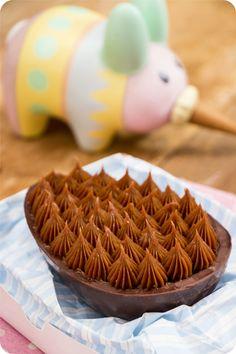 Ovo de Páscoa de Colher – Chocolate amargo e brigadeiro | Vídeos e Receitas de Sobremesas