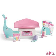 Shop American Girl online to find Bitty Baby doll furniture and accessories sets your child will love. Mix and match baby doll nursery furniture and accessories to find the perfect gift for all ages. Baby Alive Dolls, Baby Dolls, Reborn Dolls, Baby Doll Diaper Bag, American Girl Outlet, Poupées Our Generation, Baby Doll Furniture, Barbie Camper, Einstein