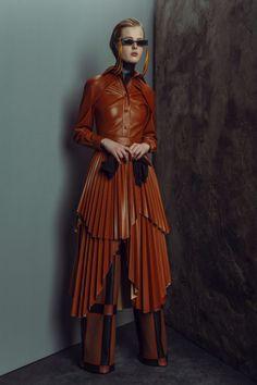Girl Fashion, Fashion Design, Fashion Trends, Fashion Inspiration, Vogue Russia, Haute Couture Fashion, Winter Wardrobe, Autumn Winter Fashion, Fall Winter