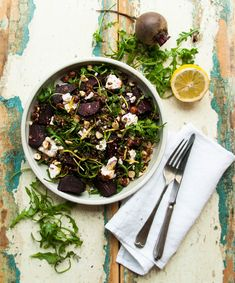 A winter salad: puy lentils, oven-baked beetroot, rocket and goat's cheese. Get the recipe on www.lealou.me!