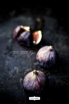Baked figs with brie cheese and honey - Recipe