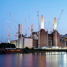 Battersea Power Station in London Battersea Power Station, National Geographic Travel, Art Deco Stil, Past Present Future, Kingdom Of Great Britain, Belle Villa, Pink Floyd, Northern Ireland, United Kingdom