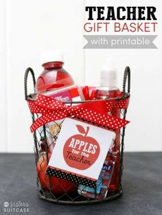 for the Teacher (Free Printable) Back-to-School Teacher Gift Basket Tutorial - Free Printable Tag too!Back-to-School Teacher Gift Basket Tutorial - Free Printable Tag too! Easy Teacher Gifts, Teacher Gift Baskets, Basket Gift, Teacher Treats, Diy Back To School, Back To School Teacher, Just In Case, Just For You, Apple Gifts