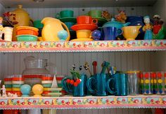 Fiestaware!!!!!! These are the dishes I have, I want the bright yellow and orange sets next.