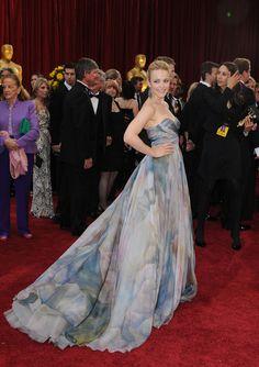 Rachel McAdams donned Elie Saab to the 2010 Oscars.
