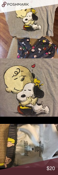Peanuts Snoopy/Charlie Brown Leggings w/Tshirt Excellent condition. Charlie Brown and Snoopy Tshirt size Small (runs big) and Peanuts leggings size Medium. From smoke free home. Peanuts Other