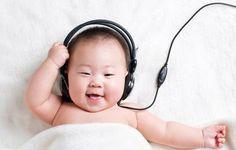 Merawat bayi gampang-gampang sulit apalagi untuk orang tua muda yang baru pertama kali mempunyai bayi. Kamu harus tau beberapa mitos tentang merawat bayi yang ternyata salah  source: vk.com