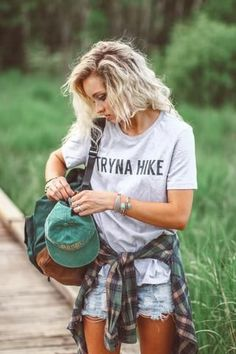 37 Trendy Camping Outfits For Women Summer Casual God Summer Camping Outfits, Summer Outfits, Cute Outfits, Summer Shorts, Outfits Mujer, Outfits Damen, Festival Looks, Estilo Tomboy, Looks Style