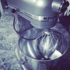 YESSS! Just got my first Kitchen Aid! Supes excited to take this baby for a spin 🤣  #kitchenaid #mixer #kitchentools #kitchengear #machine #kitchen #friendsforlife #isthisreallife #sohappy  Yummery - best recipes. Follow Us! #kitchentools #kitchen