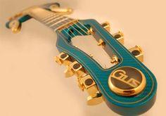 Gus Guitars /  Simon Farmer