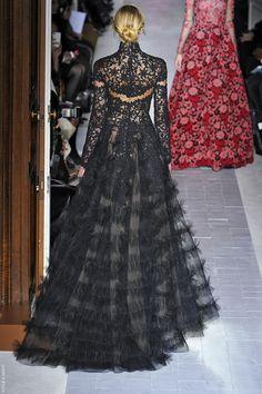 Garotas Modernas: Estilo de Vida com Consuelo Blocker: Dior & Valentino alta costura, Era de Aquário e Michelle Obama…Too much of a good thing?