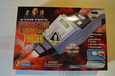 New in Box in great condition Playmates Type 2 phaser replica of those used in Star Trek Insurrection Star Trek Insurrection, Star Trek Games, Star Trek Action Figures, Star Trek Collectibles, Star Trek Universe, Love Stars, Card Reading, New Toys, Type