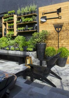 Gardens in Black   from Casa Tres Chic