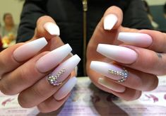 #babyboomer #matt #swarovski Geil oder?! #nails #nailsart #nailswag #nailsalon #nailstagram #nails2inspire #nailsdid #nageldesign…