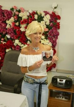 Country Female Singers, Country Musicians, Country Music Artists, Lorrie Morgan, Old Country Music, Country Music Stars, Country Women, Country Girls, Girl Celebrities