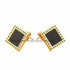 arete cuadrado en color dorado de acero inoixidable