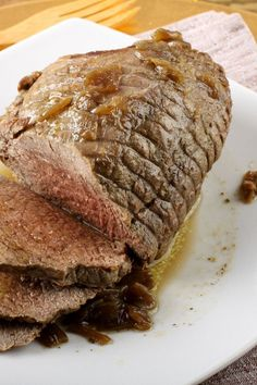 Easy 4 ingredient slow cooker roast beef dinner recipe with soy sauce, dry onion soup mix, and pepper. Roast Beef Dinner, Slow Cooker Roast Beef, Crock Pot Slow Cooker, Slow Cooker Recipes, Crockpot Recipes, Slower Cooker, Beef Tenderloin Recipes, Pork Roast Recipes, Beef Recipes For Dinner
