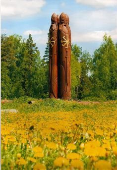 Slavic idol of Perun Perun - the most famous of the brothers of Svarozich. Slavic idol of Perun Norse People, Viking Life, Norse Vikings, Asatru, Norse Mythology, Dark Ages, Gods And Goddesses, Conte, Deities