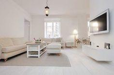 Minimalist Apartment Living Room with Flowers Decoration White Living Room Set, Cozy Living Rooms, Apartment Living, Swedish Interior Design, Apartment Interior Design, Apartment Layout, Minimalist Apartment, Minimalist Interior, Stockholm