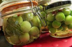 Co se zelenými rajčaty? Pickles, Cucumber, Fruit, Food, Essen, Meals, Pickle, Yemek, Zucchini