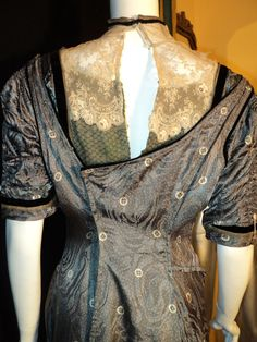 Titianic Era Original Dress Gown 100th Anniversary by Bellasoiree. Detail