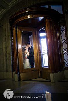 Wedding photography at the Legislature (the leg) in Winnipeg.