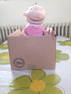 Ruimtelijke begrippen met Jules Busy Bags, Toy Chest, School, Kids, Paper, Occupational Therapy, Paper Board, Toddlers, Boys