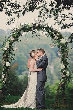 Romantic ceremony arch | Alyssa Maloof Photography