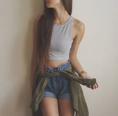 Crop top and vintage denim